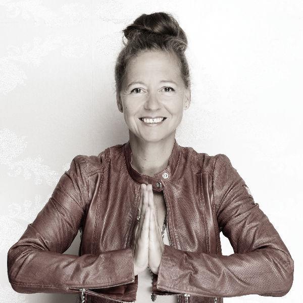 Sabine Flechner-Schork, Unternehmensberatung für YogalehrerInnen